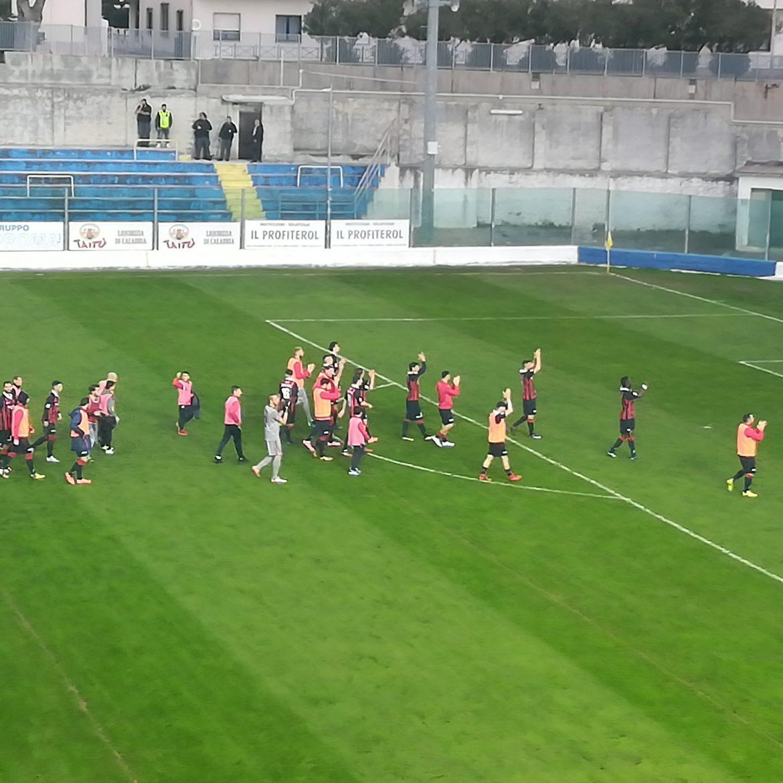 Calendario Vibonese.Serie C La Vibonese Riprende La Marcia Un Gol Di Taurino